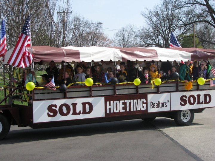 trolley-st.a parade.jpg